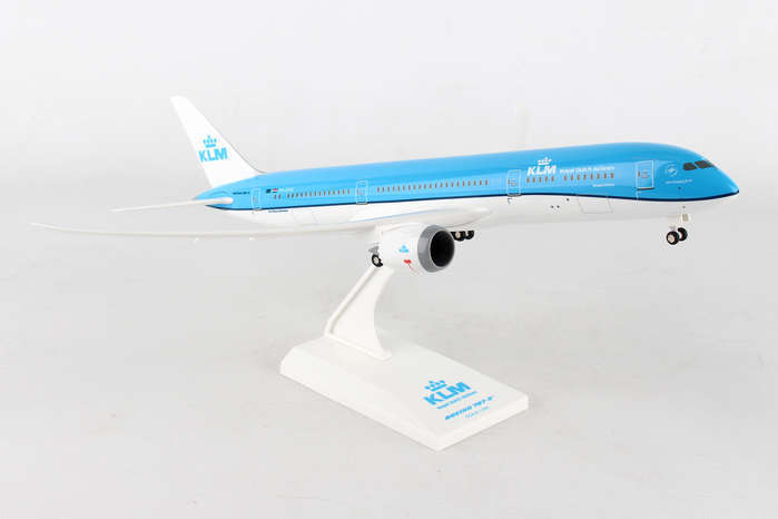 - 1/200 KLM 787-9 (With Gear) PH-BHD £50.00