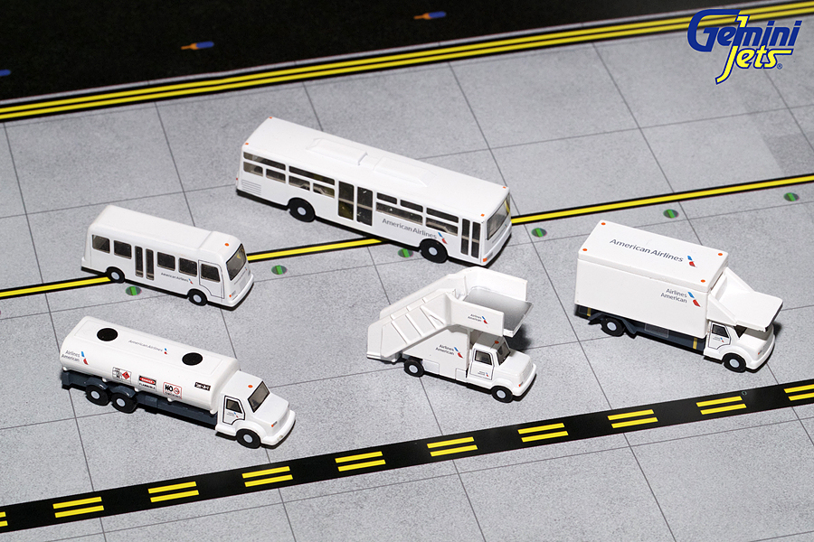 - 1/200 American Airlines Airport Support Vehicles£45.00