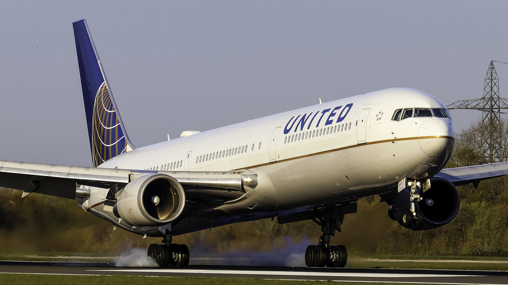 United B767-400 N66057 leaving a few rubber deposits on Runway 05 Right! Photo: Jack Crompton 13th April 2019.