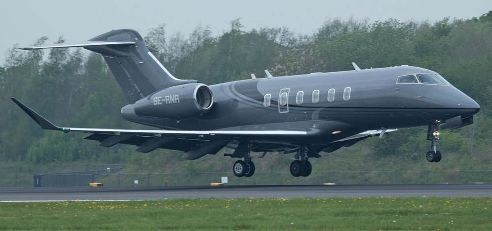 Challenger 300 SE-RNR making it's first appearance at Manchester on 24th April.Photo:Peter Hampson.