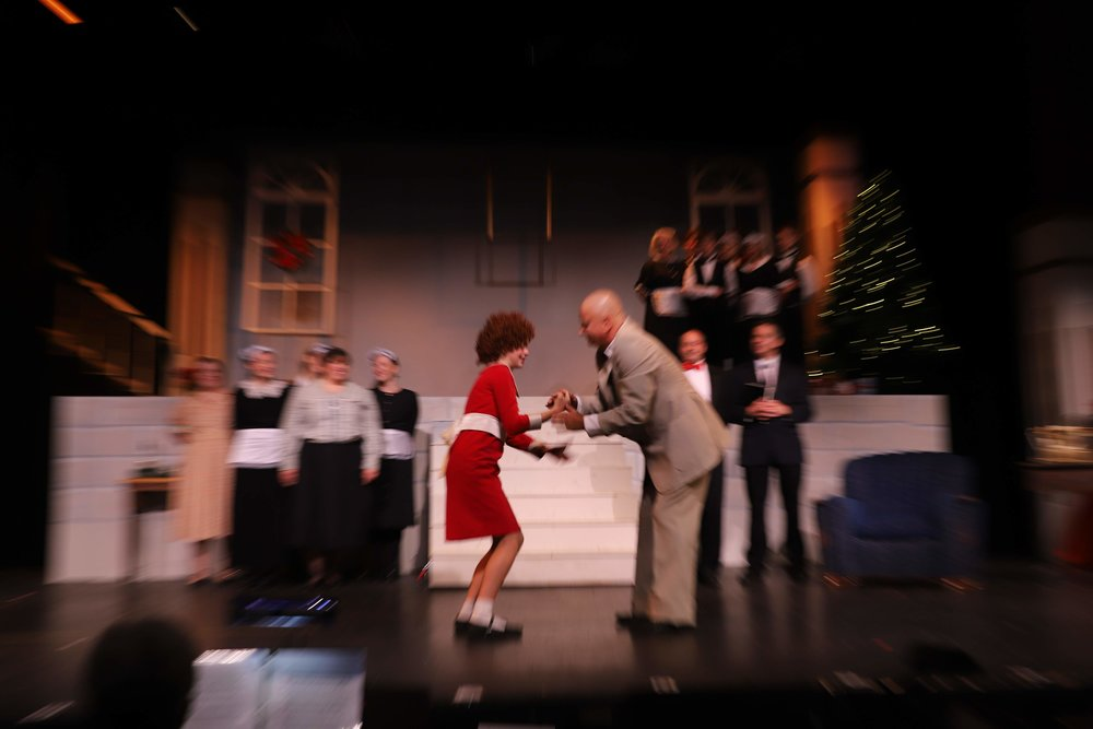 Megan Gerbi as Annie with Robert Smith as Daddy Warbucks