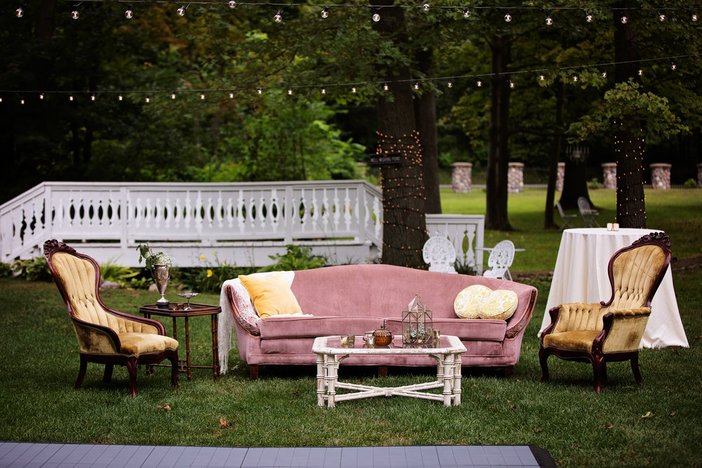 Spruce up cocktail hour with some furniture on the lawn!