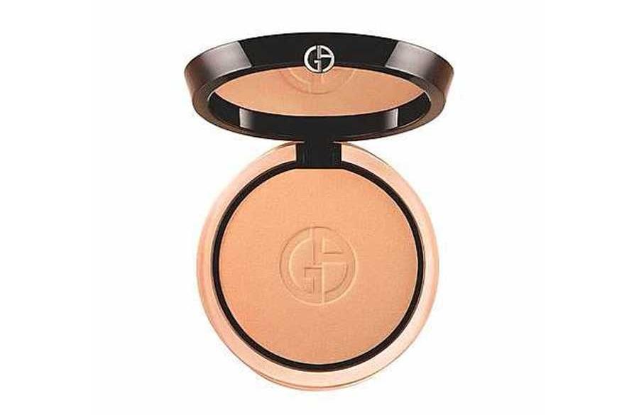 Giorgio Armani Luminous Silk Compact  -  Best Foundations For Oily Skin, Be Shine Free