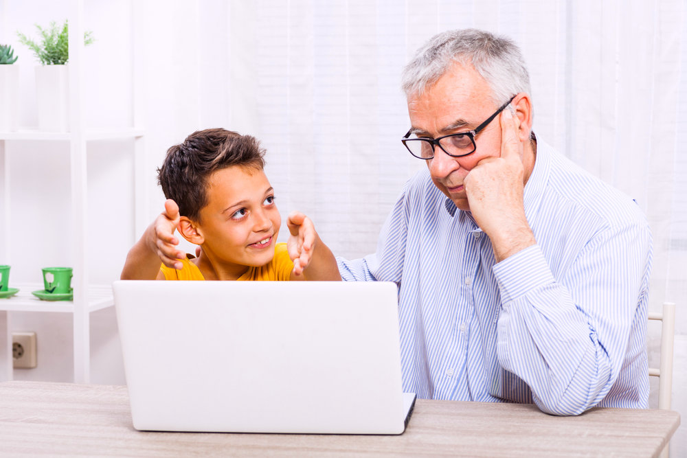 Kids-Teaches-Computer.jpg