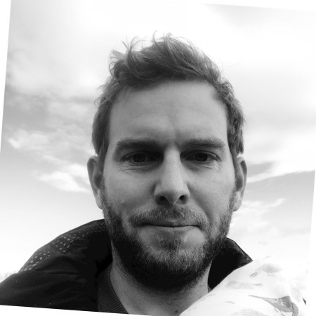 Iain Robertson    Advisor   Iain brings extensive business experience from senior positions in a FTSE100 engineering firm and a cybersecurity organisation.  He is currently Head of Business Development at OWN, a blockchain project aiming at tokenising equities.