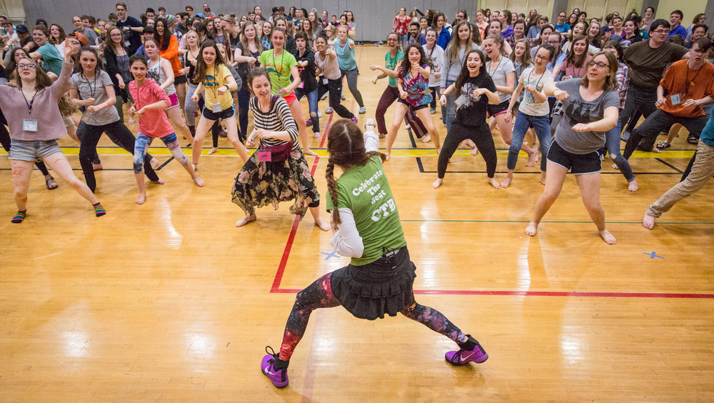 Celebrate the Beat Founder Tracy Straus teaching students at Sitka Fine Arts Camp