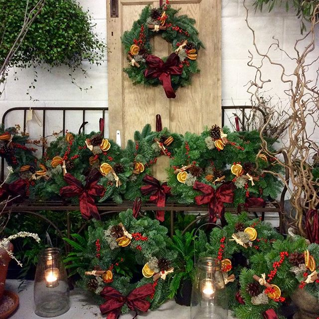 Get into the festive spirit with our evening Christmas masterclass. Enjoy a fun packed evening making your own classic luxury wreath. Discover the fresh and fragrant materials of the season. Thursday 6th December 7pm to 9pm. Please call to book your place:  01208 368158  #wreathmakingworkshop #hawksfield #luxury #christmas