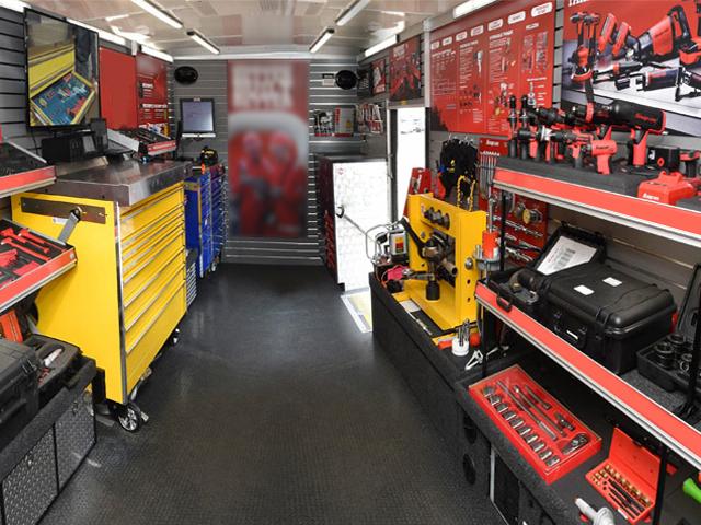 Snap-on-Truck-Interior01.jpg
