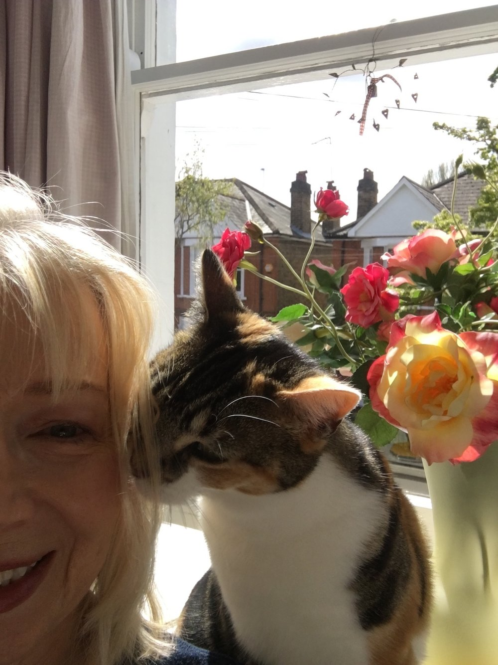 irenejuliawise-irene-wise-selfie-photo-with-cat copy.JPG