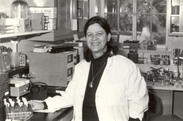 Esther Lederberg.  Image via Wikimedia Commons , Esther M Zimmer Lederberg Trust