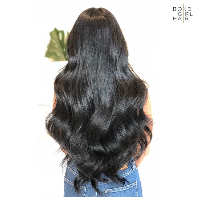 "Bombshell 💣24"" Individual Bonds #bondgirlhair . . 💣 175 pieces were used to achieve this Bomb look. Swipe to see what those look like & her before 💣 . . @behindthechair_com @modernsalon @imallaboutdahair @behindthechair_stylist #extensionspecialist #beforeandafter #hairextensions #hair #extensions #tapeextensions #fusions #fusionextensions #longhairdontcare #hairgoals #goals #torontohair #torontoextensions #torontohairextensions #hairextensionstoronto #extensionstoronto #behindthechair #modernsalon #imallaboutdahair  #hairstyles #beauty #hairspo  #longhair #makeover #transformation"