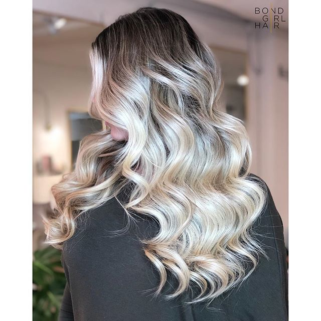 "The Money Shot 💰 . . 💰 20"" Individual Bonds, install cut & style by yours truly @bondgirl_hair . 💰Colour by the talented @chidiephair . . @behindthechair_com @modernsalon @imallaboutdahair #hairextensions #torontohairextensions #extensionspecialist #hairextensionstoronto #torontohair #longhairdontcare #fusionextensions #bonds #individualbonds #beforeandafter #makeover #transformation #beauty #hair #hairgoals #modernsalon #behindthechair #imallaboutdahair #extensions #hairlove #blonde #blondebalayage #blondehair"