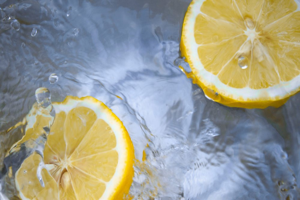 Lemon Foot-bath to Support Transitions by Re-centering - A lemon footbath is grounding and re-centering, making it ideal to support transitions; it harmonises the distribution of warmth and promotes healthy rhythms. It can be used daily as preventative healthcare to bring harmony to the Sense of Balance and Sense of Warmth, and at regular times to aid transitions between school, work and home, children transferring between parent's homes, returning from holidays, or after over-stimulating experiences. It is also useful for acute symptoms such as headache and sinusitis by drawing the congestion away from the head.