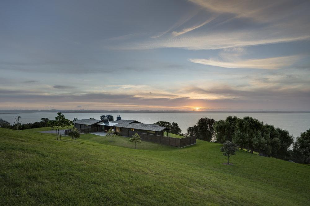 Coastal House    Noel Lane Architects - Tom Rowe, Senior Architect