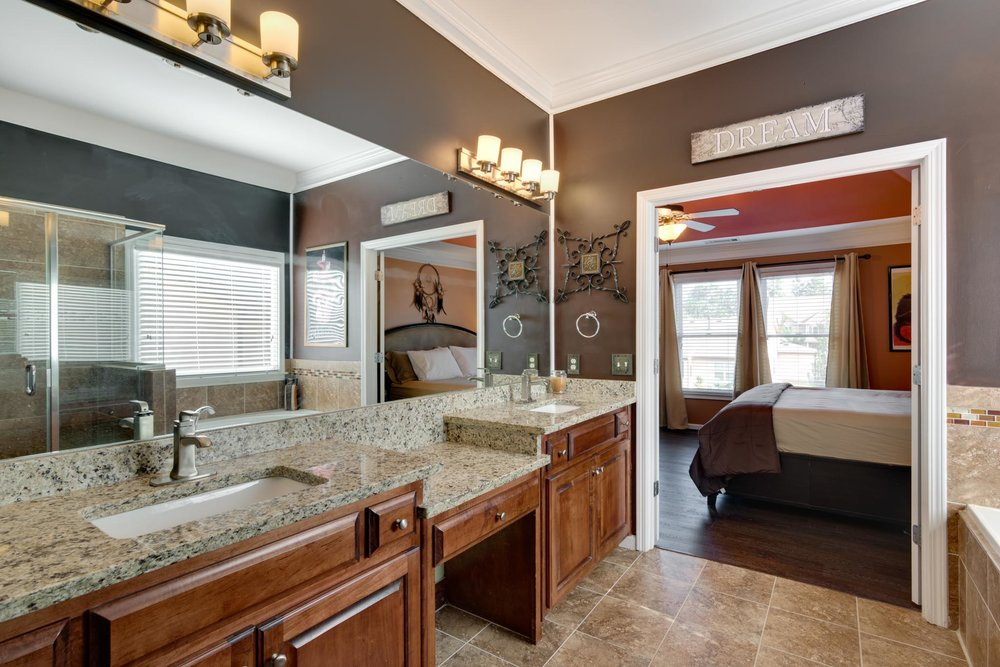real_estate_photographer_bathroom_photography-3.jpg