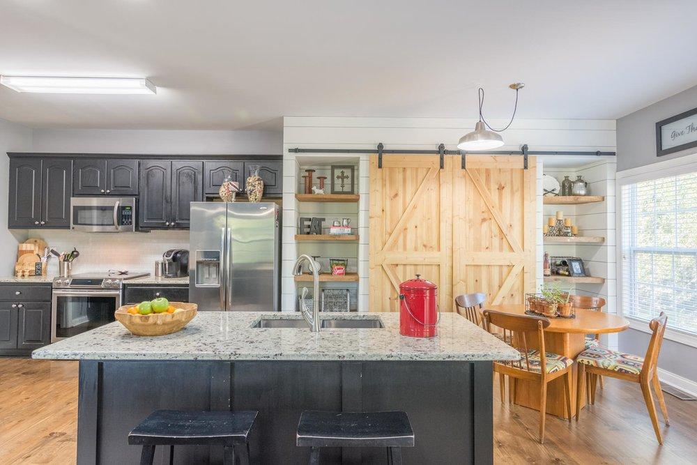 real_estate_photographer_kitchen_photography-6.jpg