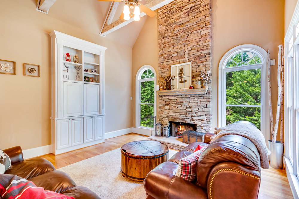 real_estate_photographer_living_room_photography-6.jpg