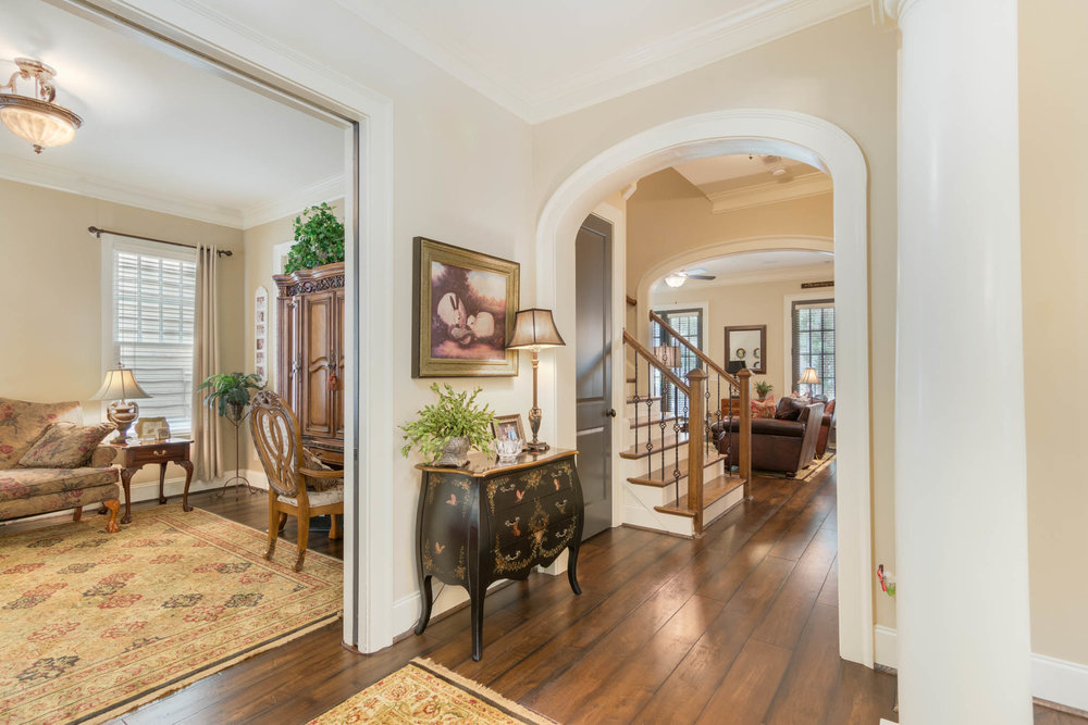 real_estate_photographer_foyer_photography-5.jpg