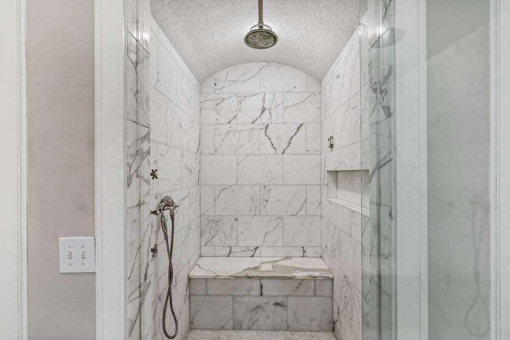 real_estate_photographer_bathroom_photography-2.jpg