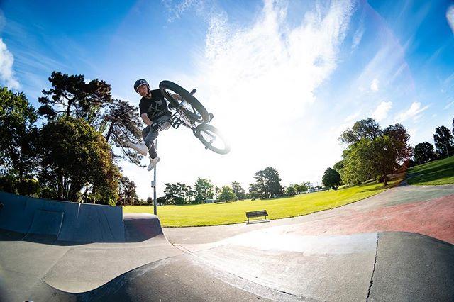 The last bmx shot seemed well accepted. Another shot of @jan__freesty_beranek at Linwood. . . . #tailwhip #downsidetailwhip #boxjump #bmx #bmxfreestyle #bmxbike #bmxlife #digbmx #ridebmx #bikes #bikestagram #goodtimes #sundayfunday #fujifilmxt3 #newzealand #color #skatepark #ramps #dailyphoto #ig_color @socialbmxnz