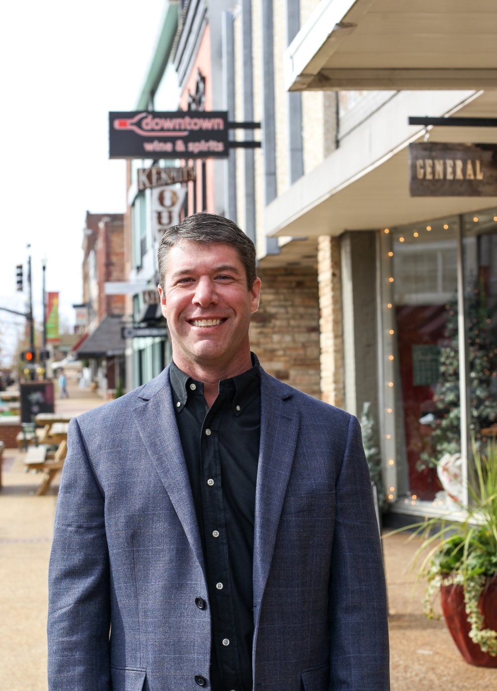 "Clay Short - PRESIDENT TRI Inc REALTORSClay is proud to be the third generation to lead TRI Inc Realtors, having learned theCommercial Real Business at the knee of his grandfather, William ""Bill"" Tate who founded the company in 1954. Both of Clay's grandparents and mother, Ellen Short, are renown Hall of Fame Realtors with Clay's father, Jeffrey Short, receiving the first general appraiser designation in the State of Mississippi.""There was never a holiday meal that Real Estate wasn't a topic. I've been in it all my life, and officially twenty years.""While none can compare to Clay's real estate pedigree, it's been his dedication to his clients' best interest that has earned him his esteemed reputation for market knowledge, and strategic deal structuring while maintaining a high regard for his integrity and business practices. Clay offers advisory in strategic real estate planning, consulting, brokerage services, investment acquisitions and sales, property management, site selection and development.Phone: (662) 842-8283Mobile: (662) 231-4262Email:cshort@trirealestate.net"