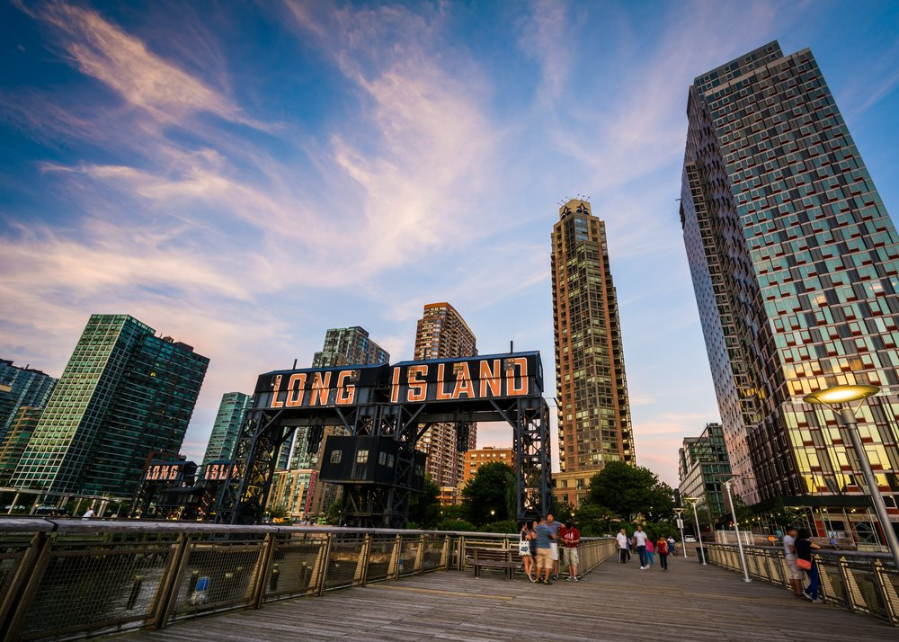 Long Island - Looking to make the move to Long Island?You're in luck! Huntington and Oyster Bay in Long Island were recently voted two of the 50 best places to live in the US.Long Island is the quieter, more sophisticated cousin of the manic, and at times, overwhelming city of New York.