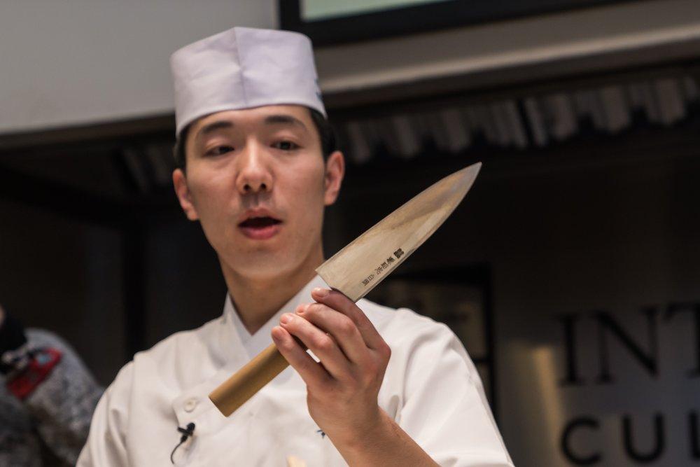 2 yuuki knife copy.jpg