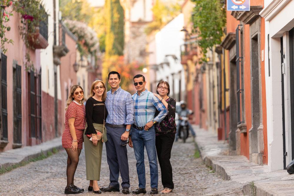 Dr Rogelio y Familia-11.jpg