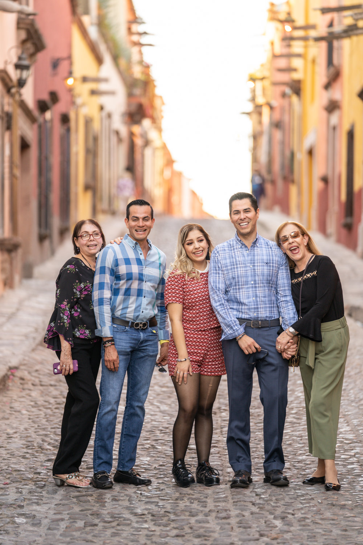 Dr Rogelio y Familia-9.jpg