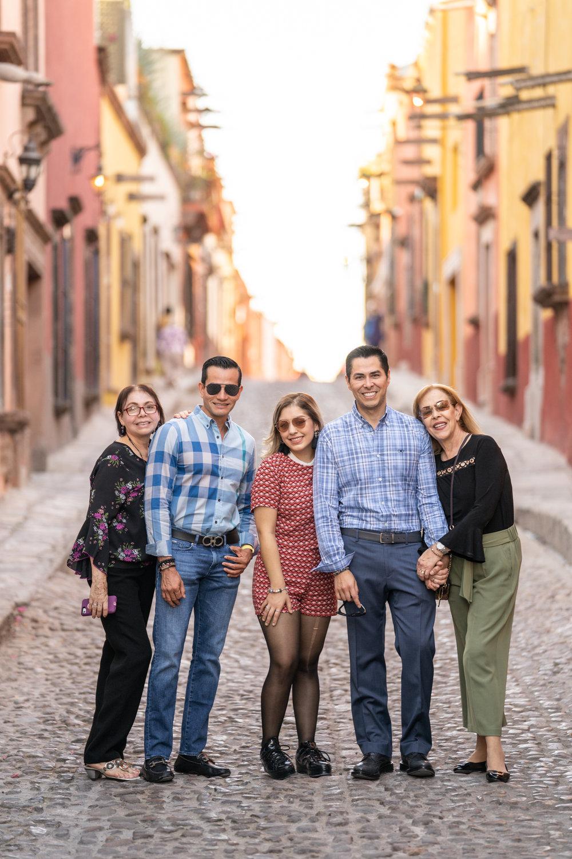 Dr Rogelio y Familia-8.jpg