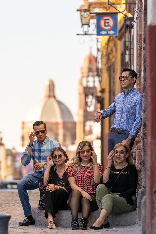 Dr Rogelio y Familia-4.jpg