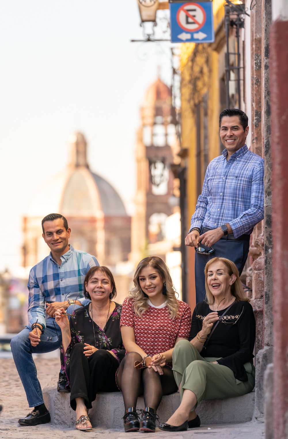 Dr Rogelio y Familia-5.jpg