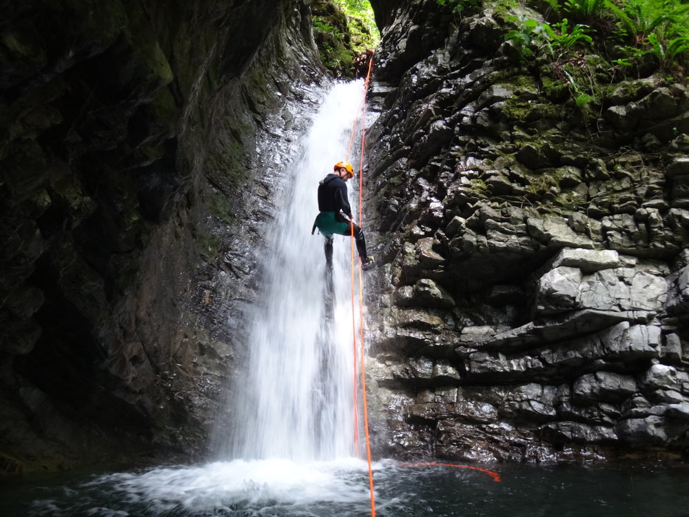 canyoning hiking como lake