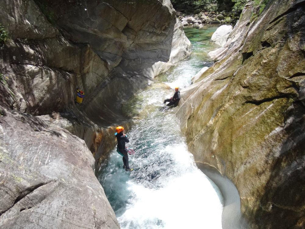 canyoning como lake
