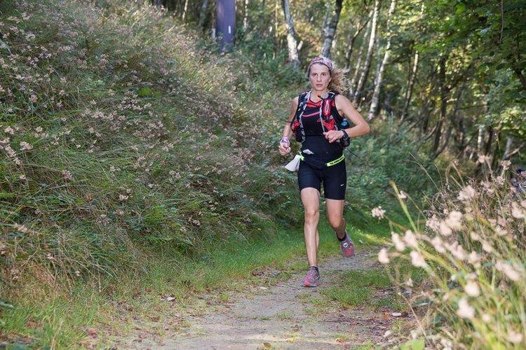 Francesca+Mai+Hiking+Como+lake+trail+session.jpg