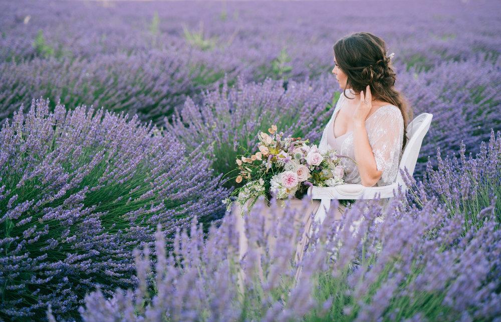 M COMME MADAME - 19.07.2018INSpiration en provenceLa Provence, ses champs de lavande à perte de vue, cette lumière douce et chaleureuse,cette ambiance si spéciale qui invite à la détente… C'est dans cette atmosphère particulière qu'a eu lieu le shooting que je vous présente ce soir.DECOUVRIR…