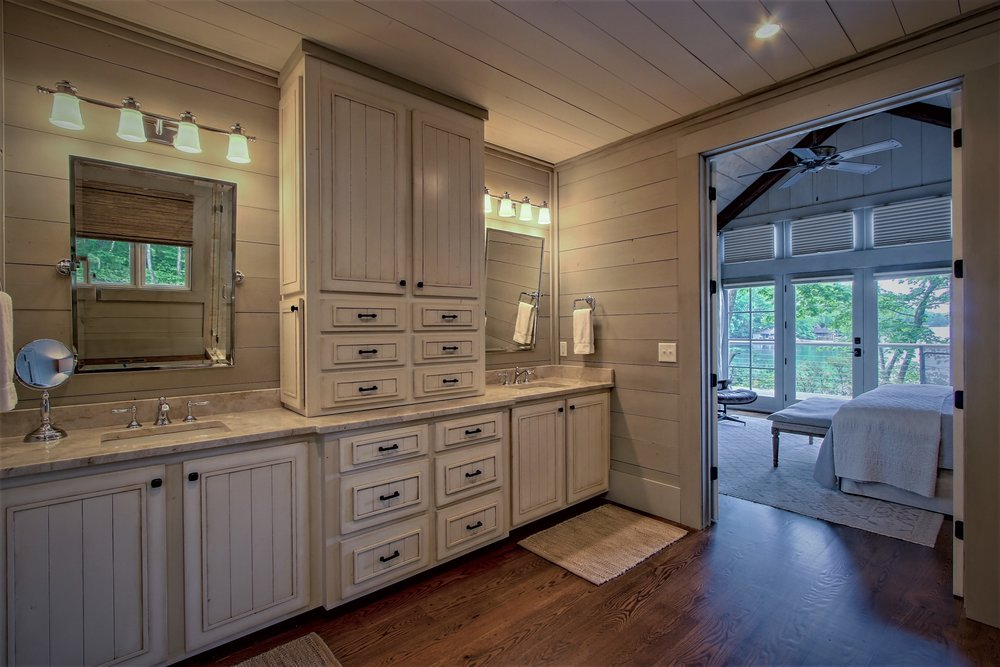 deer hill master bath.jpg