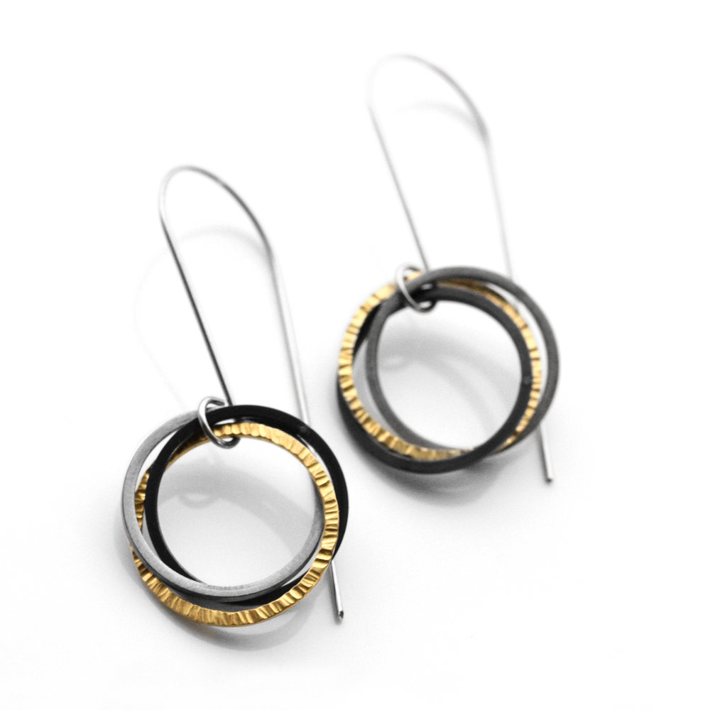 """FAIRMINED 22kt gold """"interconnected"""" earring"""