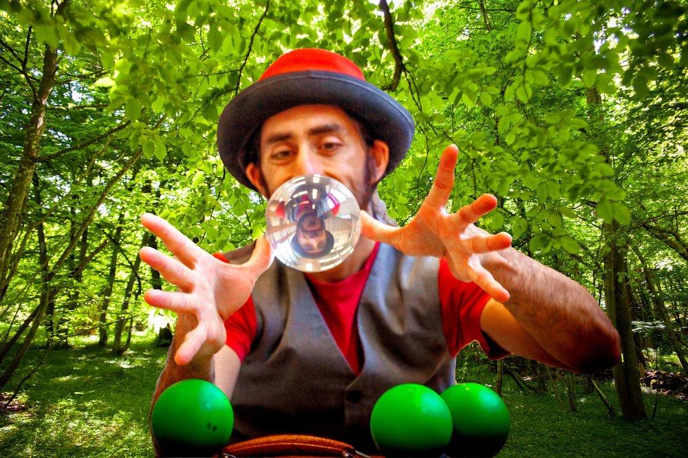 Sjongleringskunstner Diego Belda