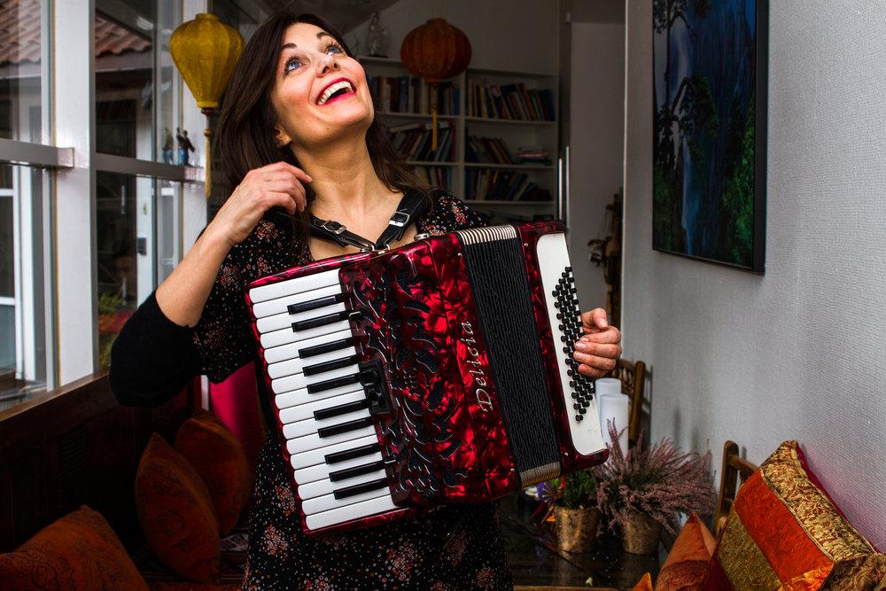 Musikken er mitt hjemland - Musikeren Solfrid