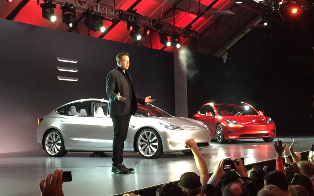 tesla-model-3-design-prototype--reveal-event--march-2016_100551172_h.jpg