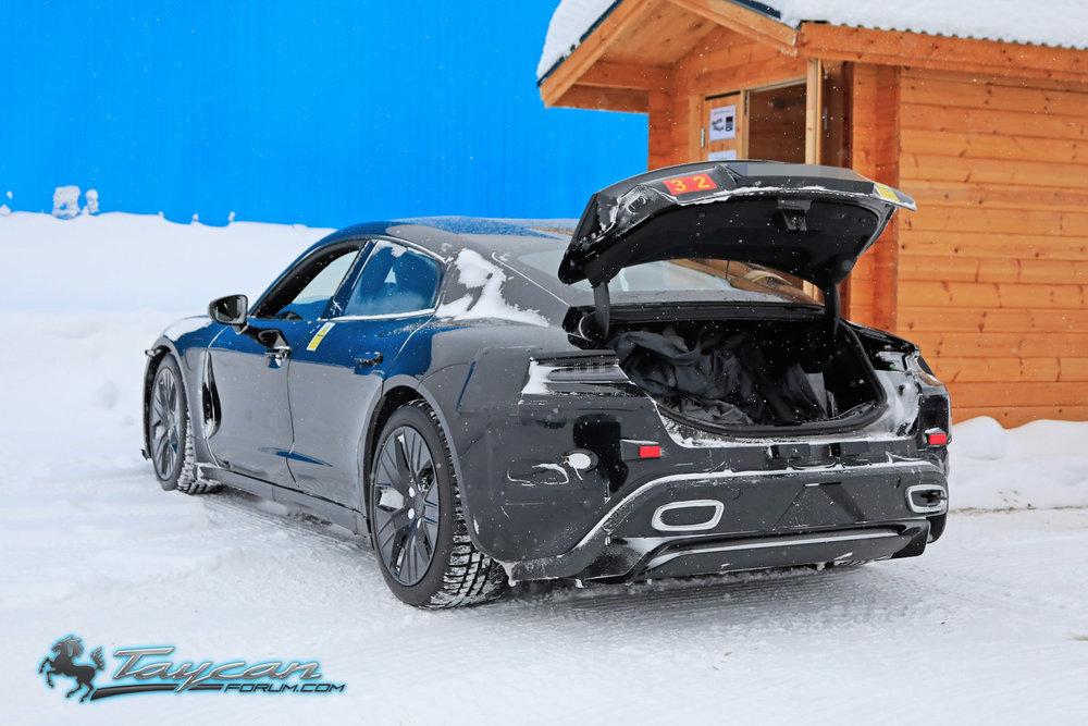Porsche-Taycan-Prototype-_SB18068.jpg
