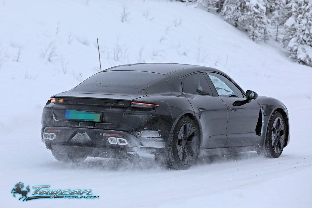Porsche-Taycan-Prototype-_SB18027.jpg