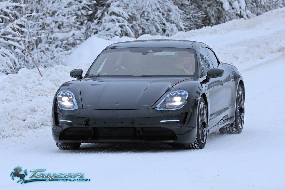 Porsche-Taycan-Prototype-_SB18008.jpg
