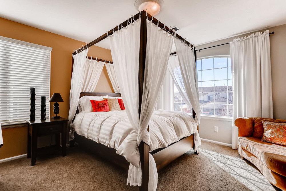 7736 Universal Ct Castle Rock-large-021-20-2nd Floor Bedroom-1500x1000-72dpi.jpg