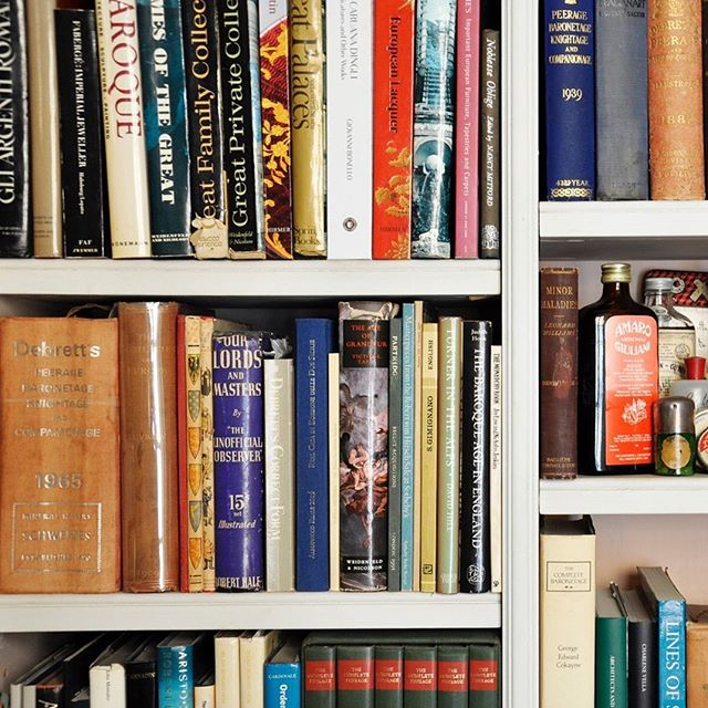 If you look around your home and see more books than you know what to do with, you aren't alone. ⠀ ⠀ 7 Expert Tips and Tricks for Organizing Your Home Library ⠀ ⠀ http://mentalfloss.com/article/559404/expert-tips-and-tricks-organizing-your-home-library
