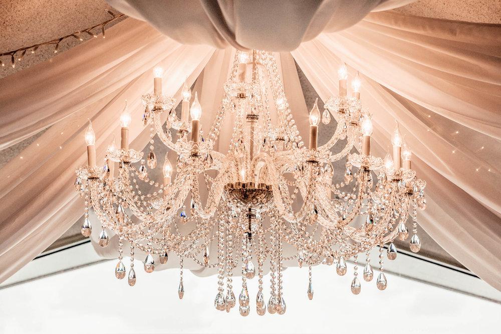 chandeliers hire