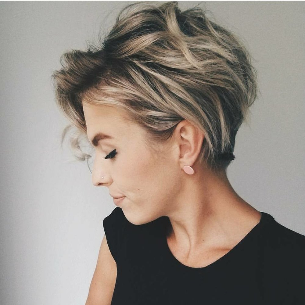 trendy-messy-hairstyles-for-short-hair-women-short-haircut-ideas.jpg