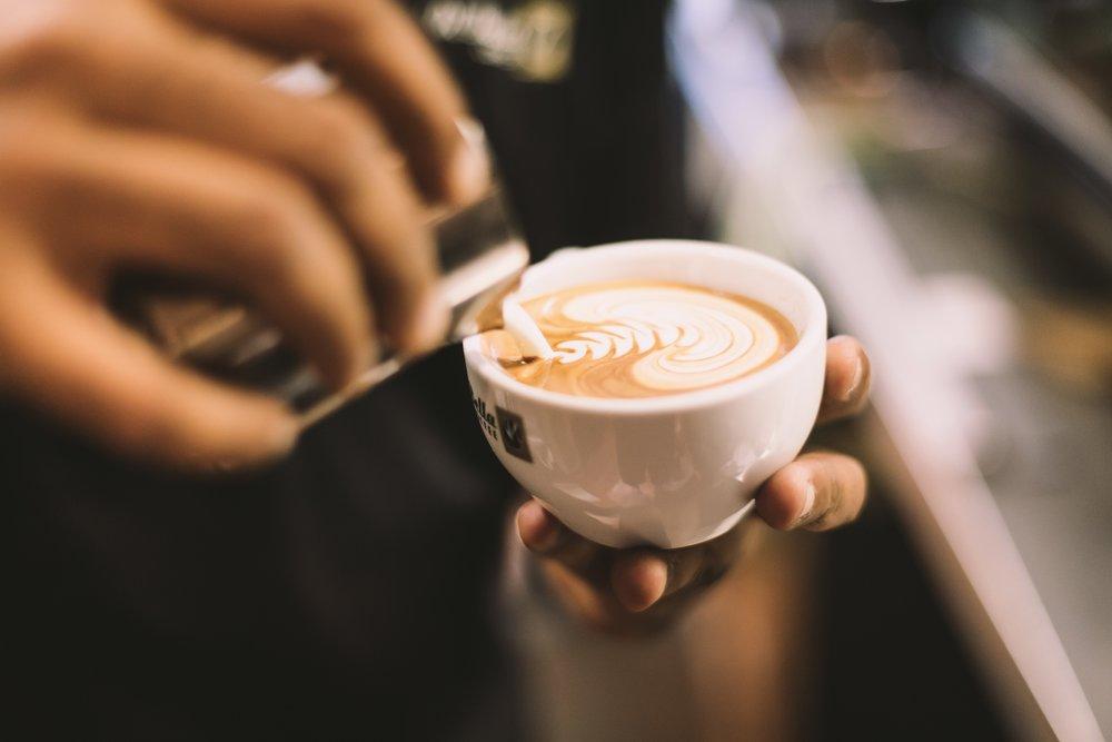 aroma-barista-beverage-1233534.jpg