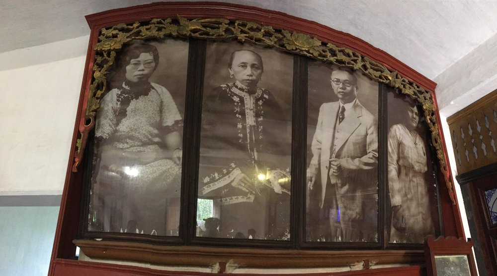 Photos of the Fang family in the 1920's